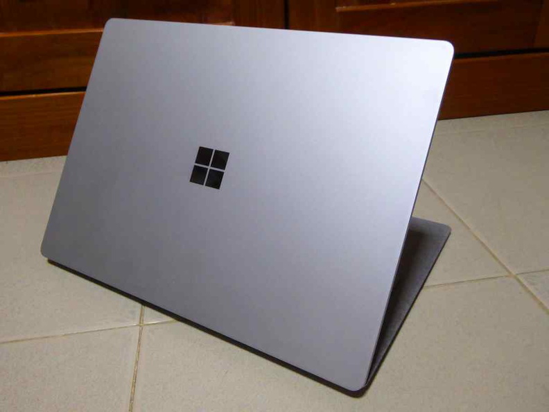 The Surface Laptop full aluminum unibody rear face