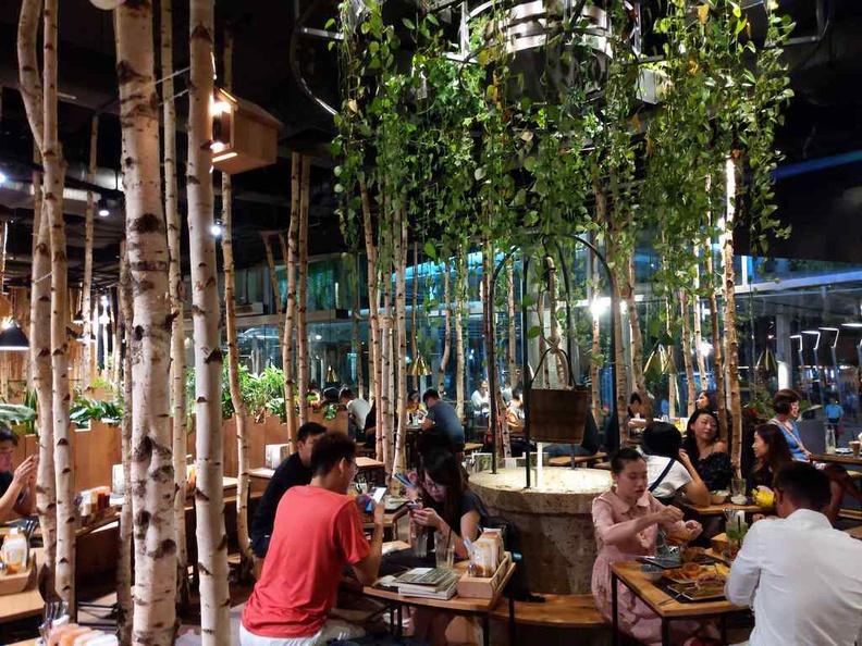 Hans im Glück vivocity Singapore restaurant.
