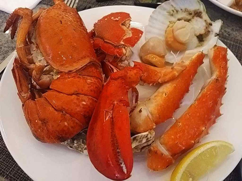 Check out the mini lobsters, clams, oysters, mussels, Alaskan King Crabs
