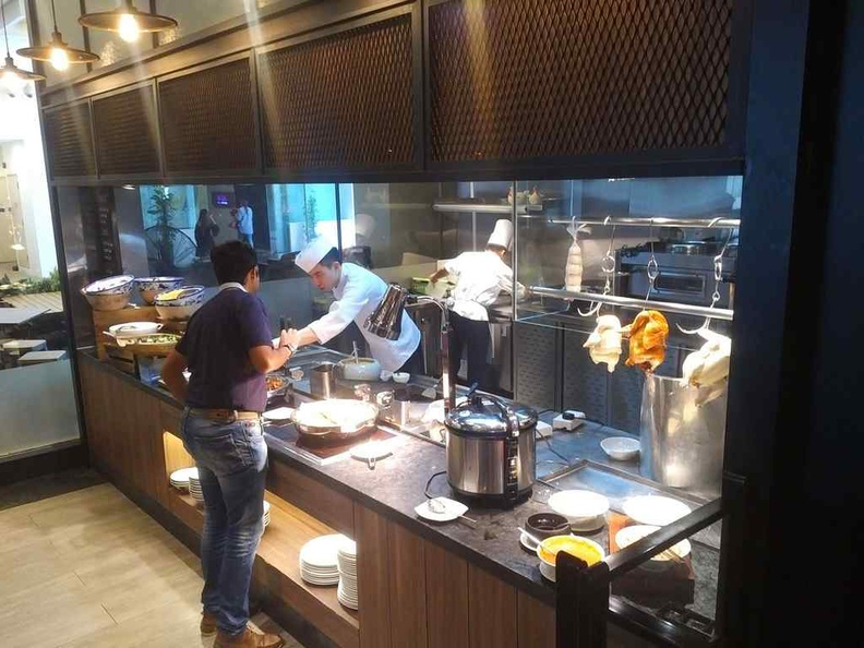 J65 Buffet JEN Hotel cooked food chicken rice