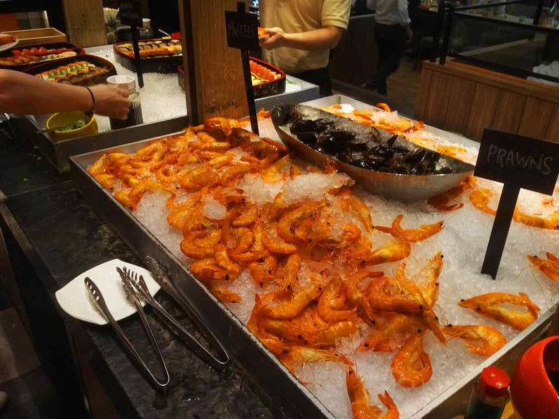 J65 buffet fresh seafood selections on ice beds