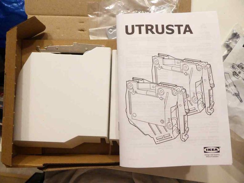 UTRUSTA hinges come in a $40 twin pack for One upward swinging door each set