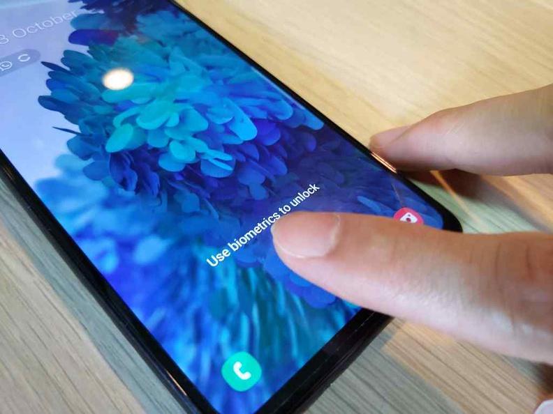 Under screen finger print sensor