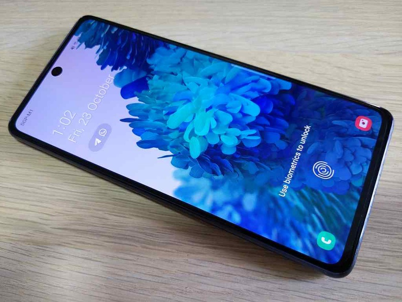 Really vibrant Higher than HD screen, typical of Samsung AMOLED screens