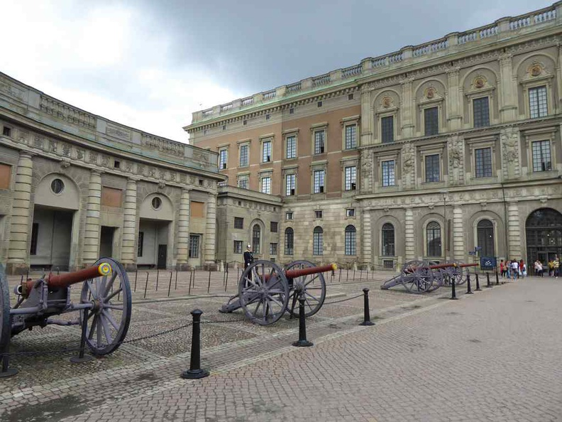 Stockholm palace exterior, with an assortment of classic cannons