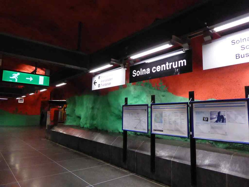 The Solna Centrum Station with the half green-red colour scheme