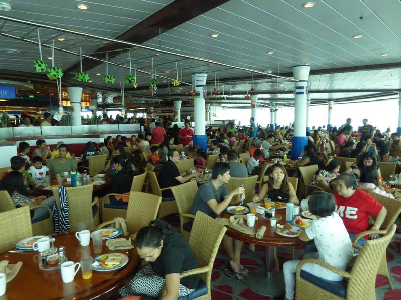 Packed crowds daily in the dining hall