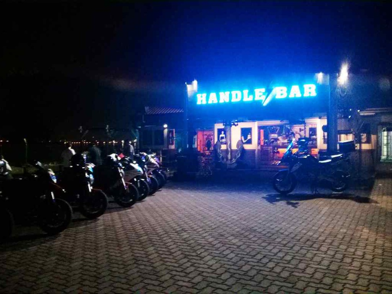 Handle bar is a biker pub in a shed, as seen at their old spot at Sembawang. Their new Gilman outlet is largely similar