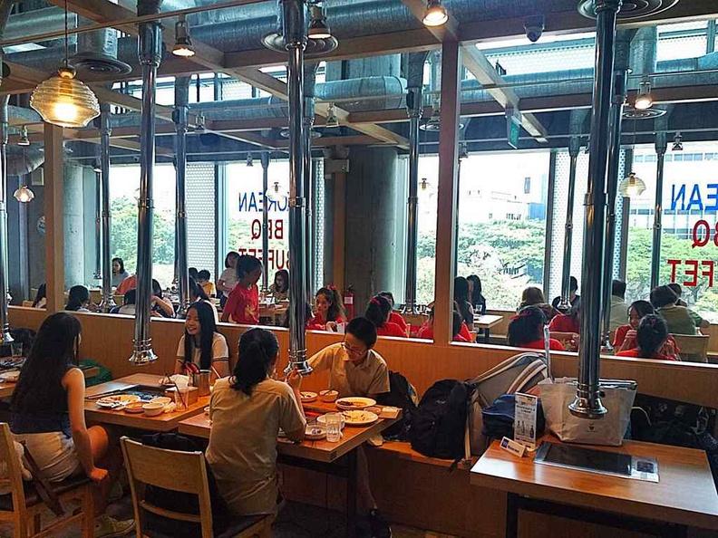 Daessiksin Korean BBQ Dining areas