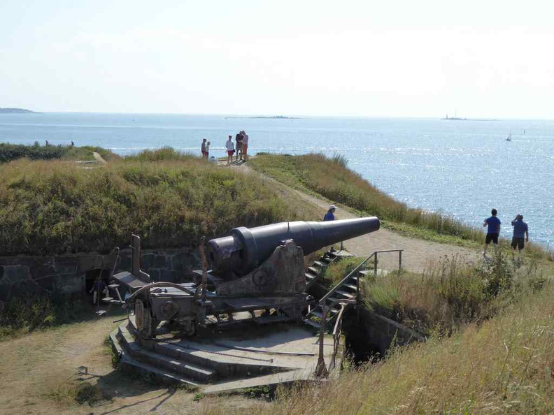 Cannon fortifications on the southern island at the Gyllenborg Bastion, overlooking the sea