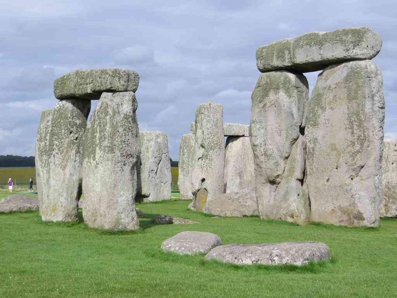 Inner stones reflecting white under the sun