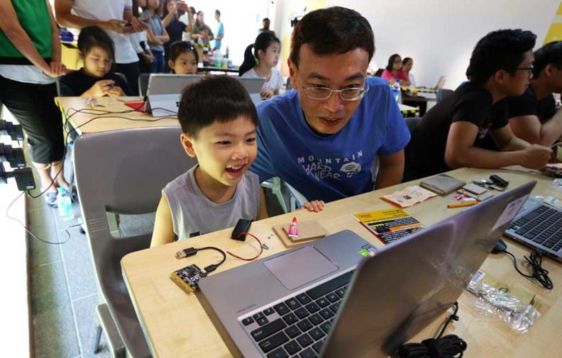 Microbit coding sessions organised by the Singapore IMDA