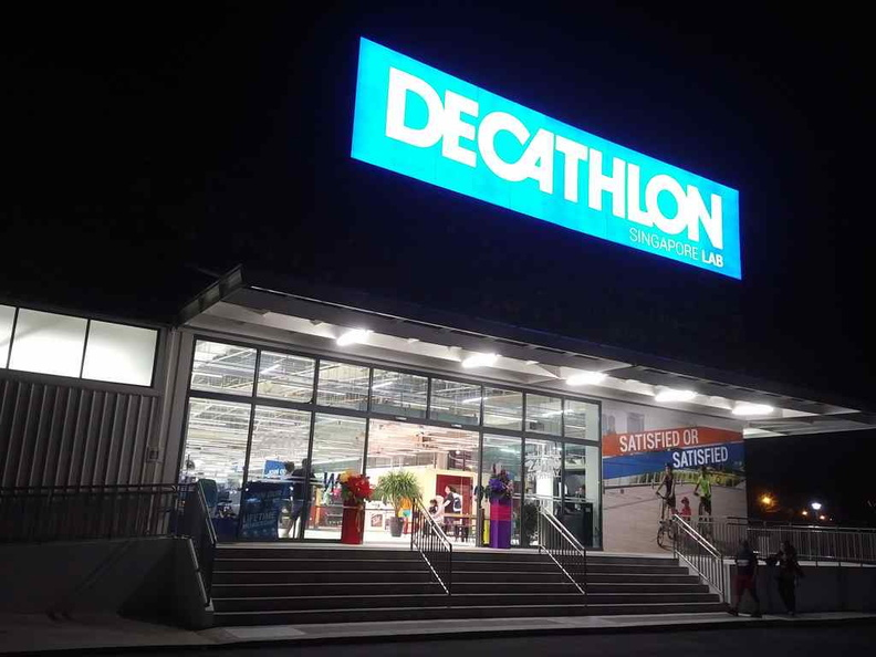 Lets check out the Decathlon Singapore Labs with late night shopping in the wee hours past midnight