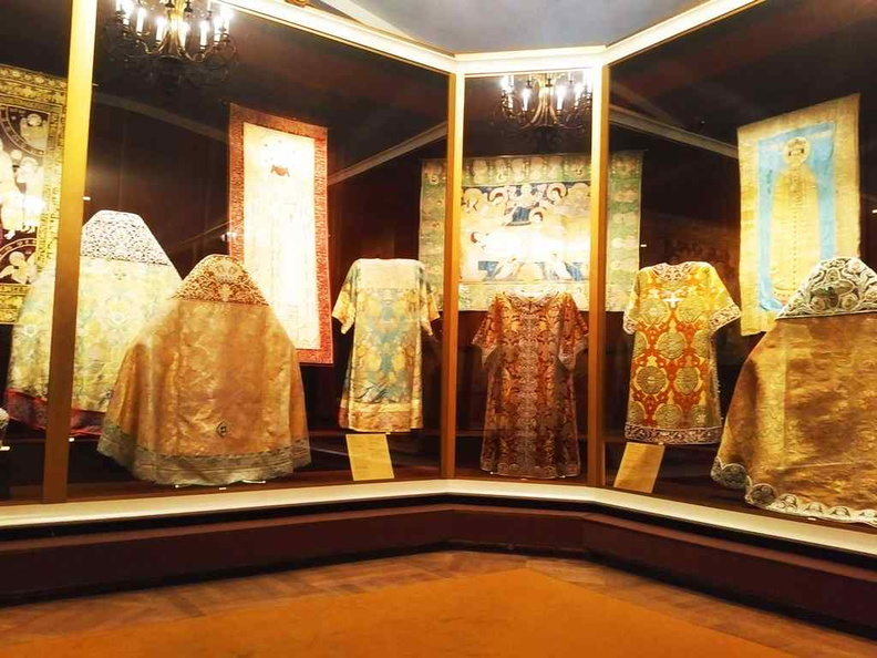 Tapestry and robes in the Armory
