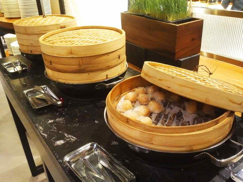 The small but rather effective Dim sum section, comprising of steamed siew mai, dumplings and paos