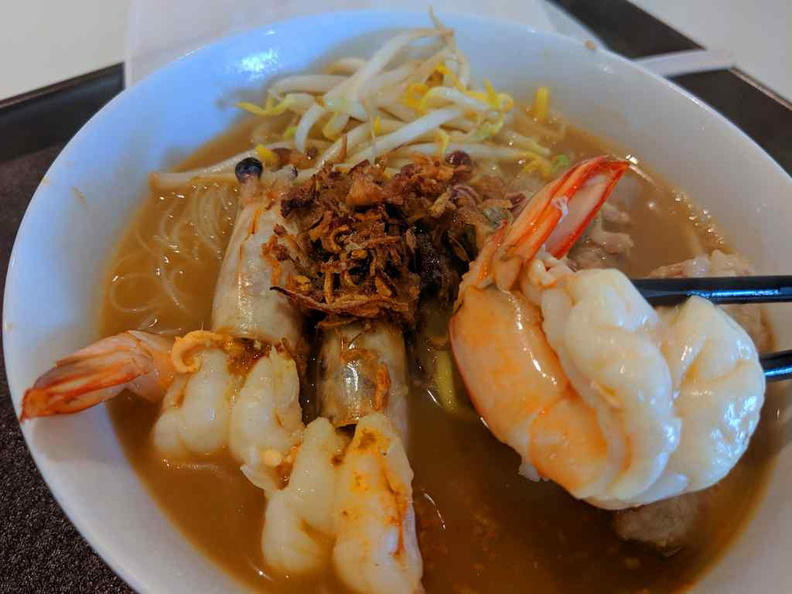 You get big prawns as standard in their Signature prawn noodles. It is served with beehoon mee with a rich prawn broth
