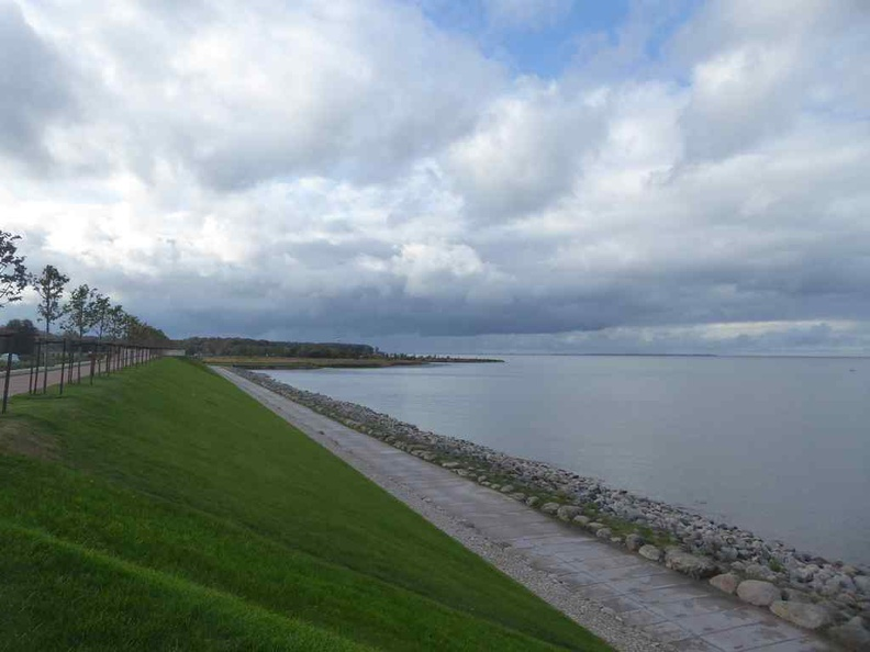 The tranquil seaside walk facing the Gulf of Finland