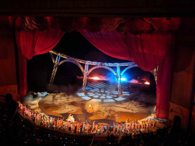 O performance by Cirque du Soleil