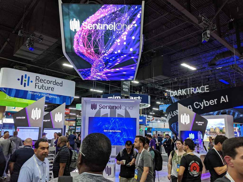 There is alot to see and do here at Blackhat USA. Unless you have formal business to attend, prioritize comfortable clothing and shoes over looks here