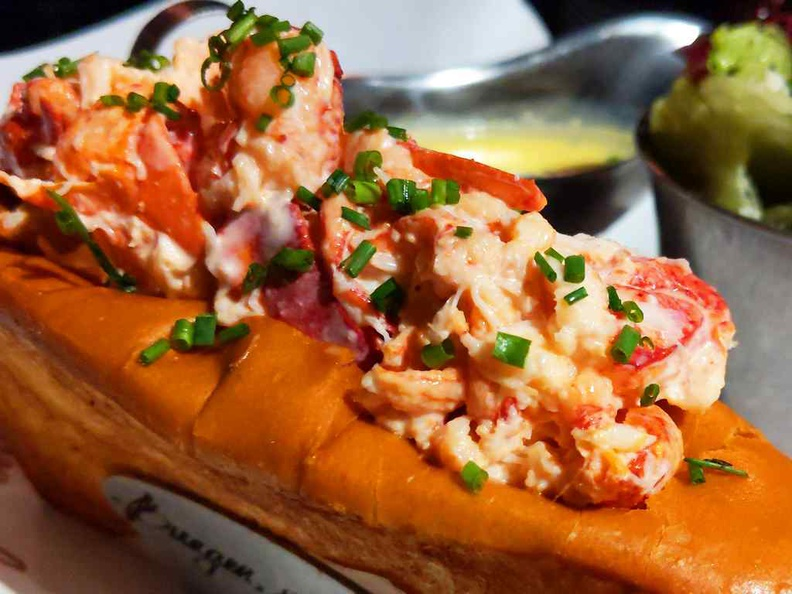 Lobster rolls are firm and well toasted crispy, you get chunks of fresh chilled lobster meat tossed in delicious Japanese mayo and topped with chives