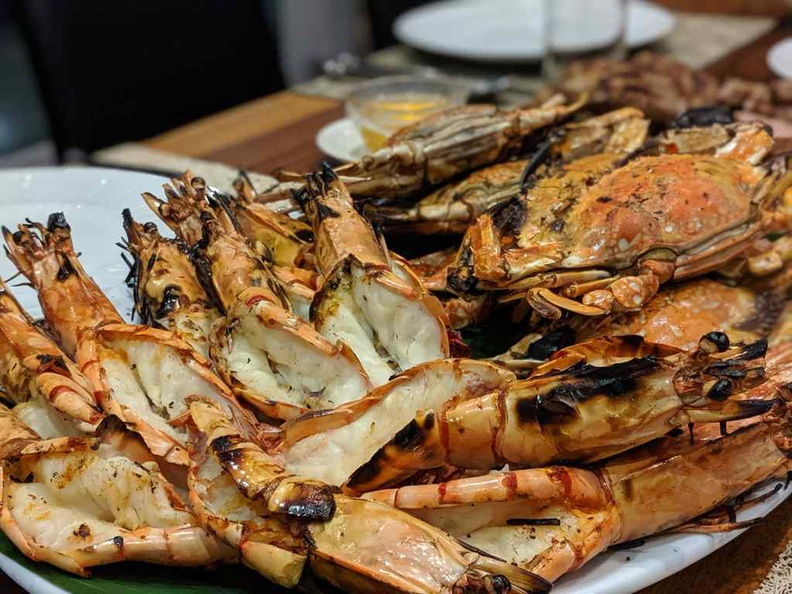 The BBQ seafood selection is extensive, prawns, crabs and clams, ya name it, Just specify the number of persons dining and leave the villa staff to settle everything from cooking to serving