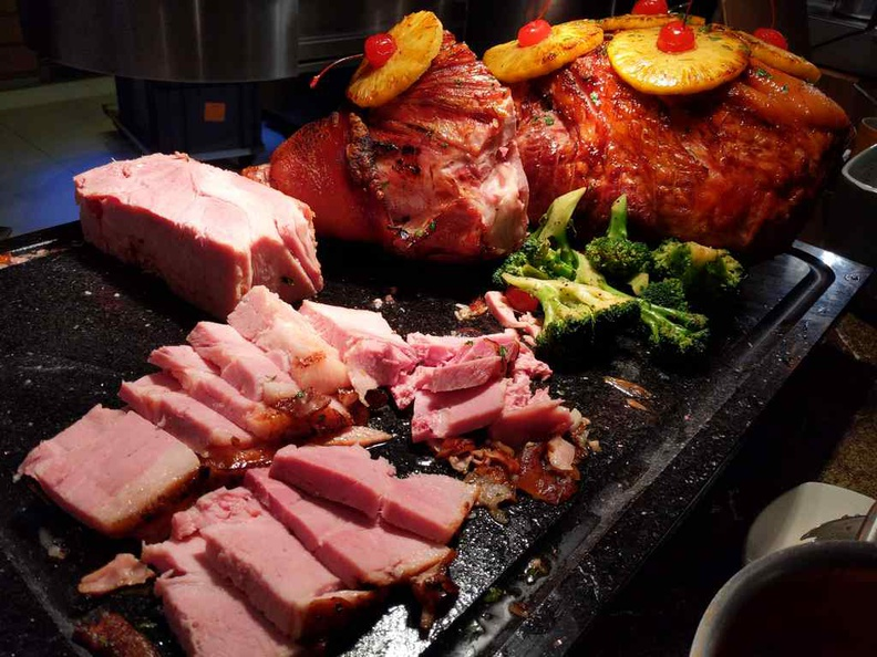 The ham selection are very hearty and you can grab any serving type to your delight