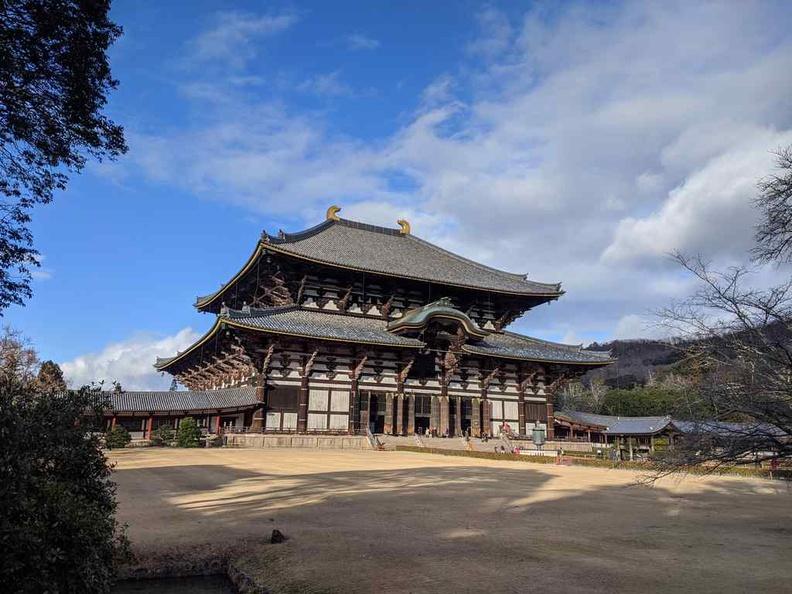 Tōdai-ji temple grounds
